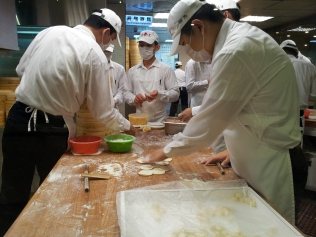 Xiaolongbao artists at work